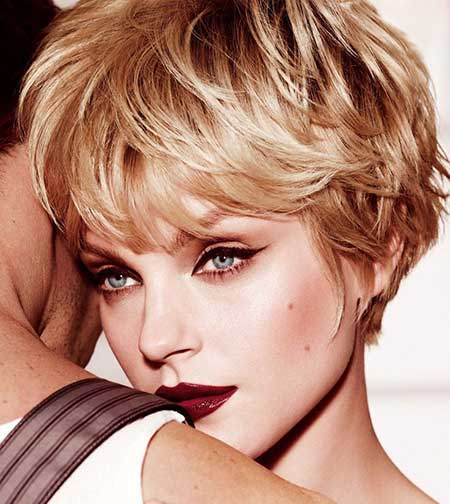 Look Pretty with Blonde Pixie Hairstyle