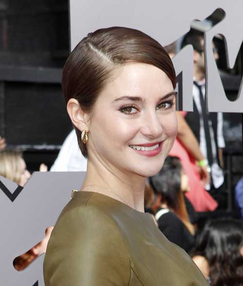 Shailene Woodley Straight Side Apart Bob Hair