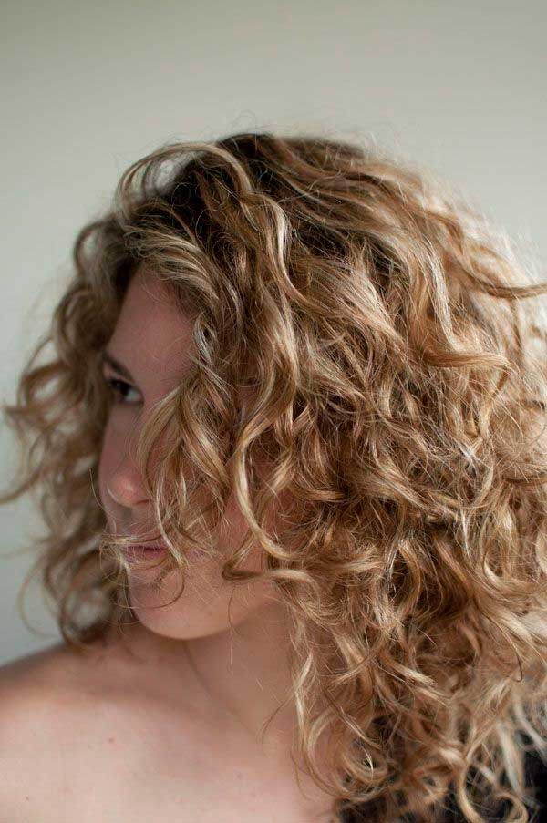 Curly Hairstyles, curly prom hairstyles, curly hairstyles for women, curly hairstyles for long hair, cute curly hairstyles